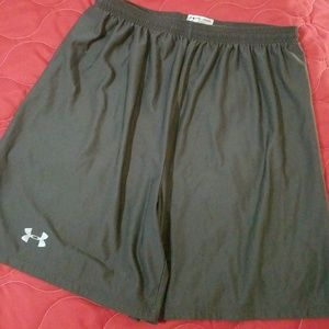 Mens large Under Armour shorts